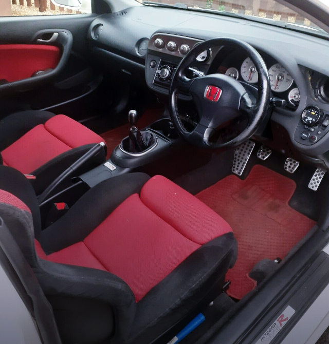 INTERIOR OF DC5 INTEGRA TYPE-R.