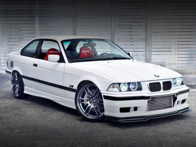 FRONT EXTERIOR OF E36 BMW 318is.