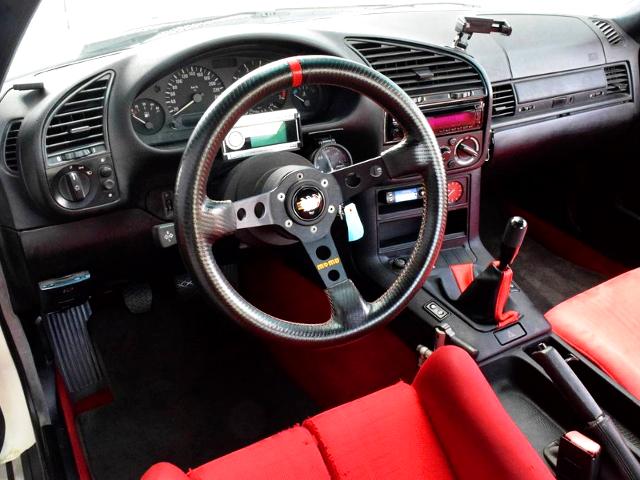 E36 BMW 318is INTERIOR.
