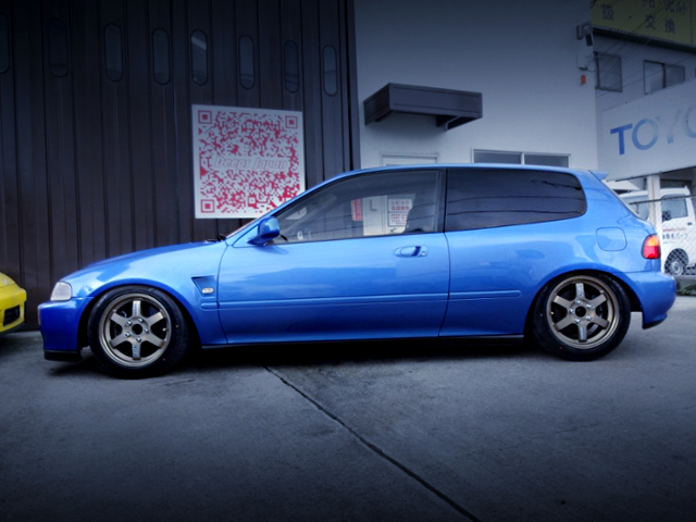 LEFT SIDE EXTERIOR OF EG6 CIVIC TO BLUE.