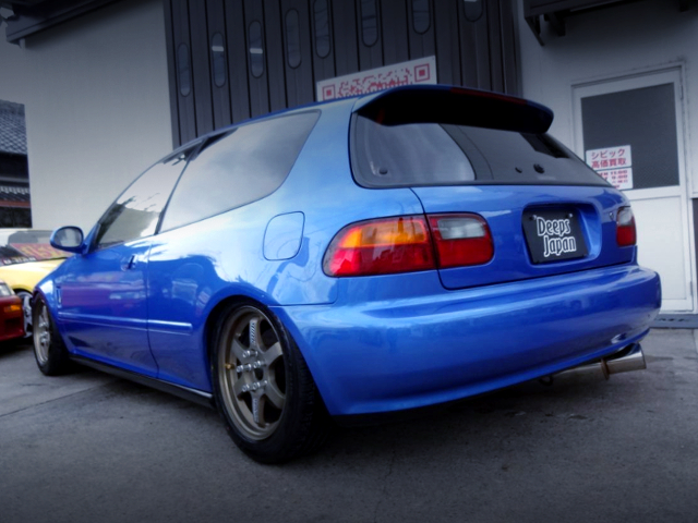 REAR EXTERIOR OF EG6 CIVIC TO BLUE.