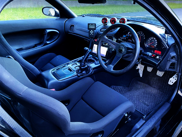 INTERIOR OF FD3S RX-7.