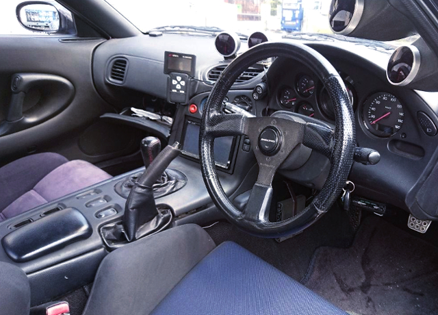 INTERIOR OF FD3S Efini RX7 TYPE-R.