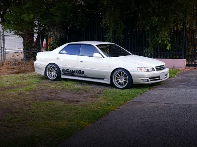 FRONT RIGHT-SIDE EXTERIOR OF JZX101 CHASER AVANTE G.