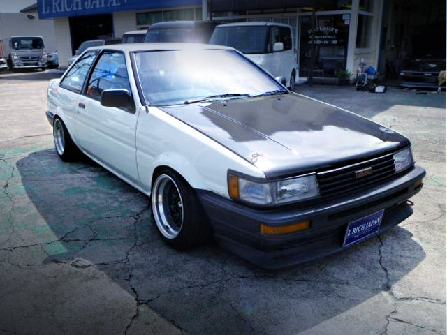 FRONT EXTERIOR OF AE86 LEVIN FRONT END TO TRUENO GT.