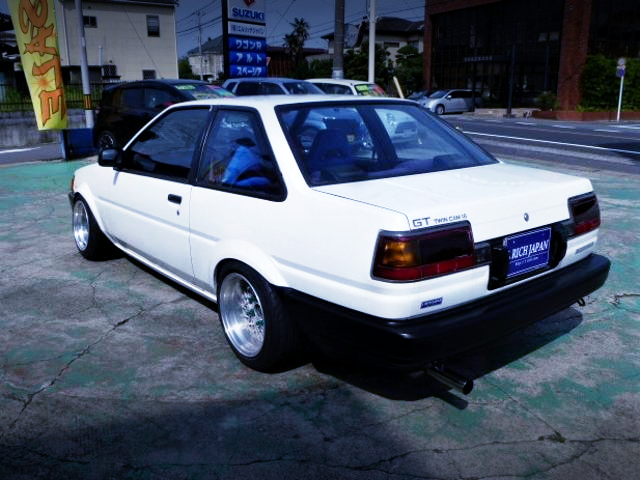 REAR EXTERIOR OF AE86 LEVIN FRONT END TO TRUENO GT.