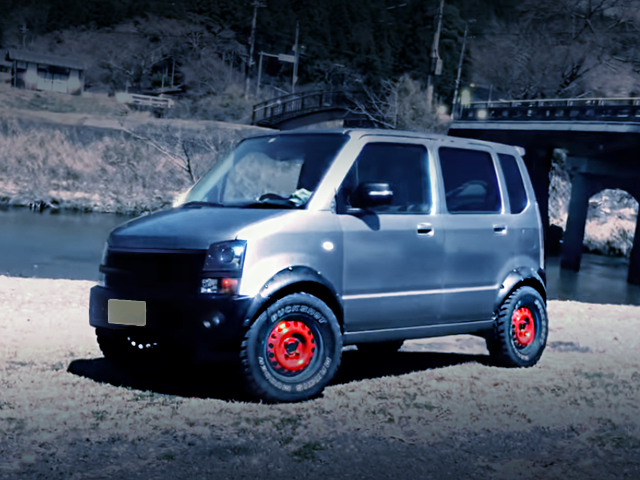 FRONT EXTERIOR OF LIFTED MH22S WAGON-R.