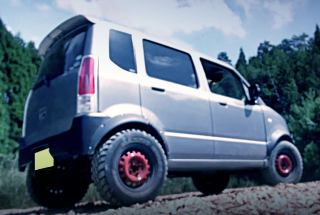 REAR EXTERIOR OF LIFTED MH22S WAGON-R.