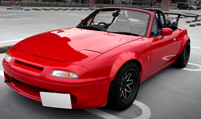 FRONT FACE OF NA8C ROADSTER TO RED.