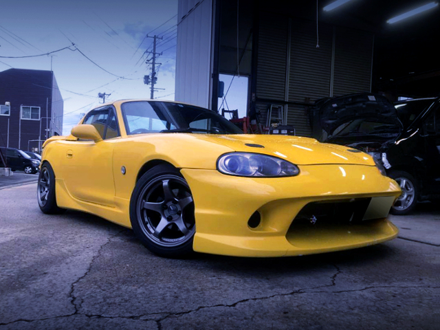 FRONT EXTERIOR OF NB8 MAZDA ROADSTER RS YELLOW.