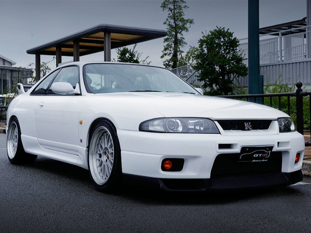 FRONT EXTERIOR OF R33 GT-R V-SPEC TO WHITE.
