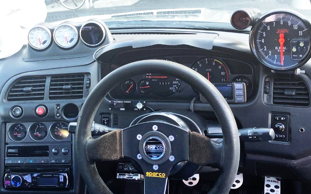 INTERIOR OF R33 GT-R DASHBOARD.