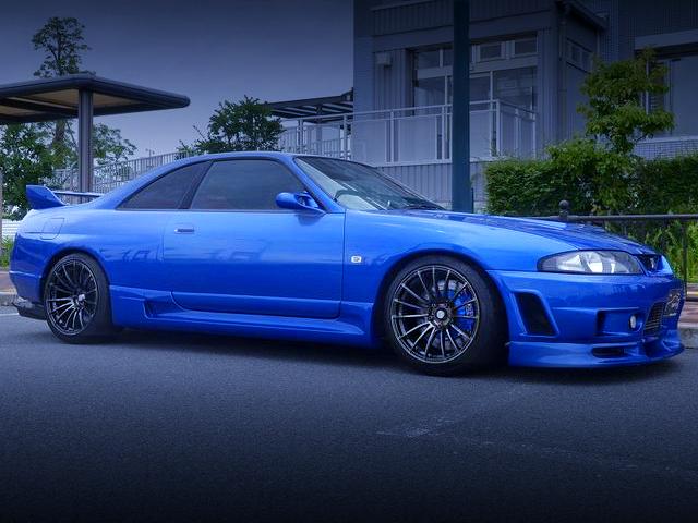 FRONT EXTERIOR OF R33 GT-R V-SPEC BLUE.