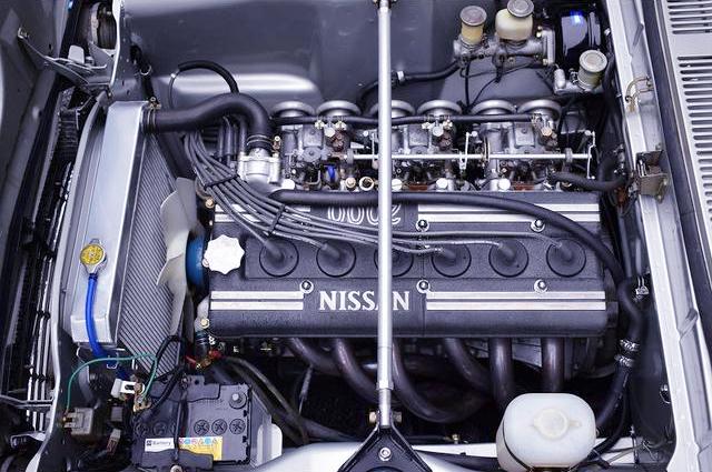 S20 DOHC ENGINE With SOLEX CARBURETORS.
