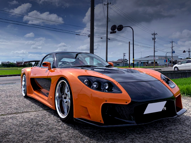 FRONT EXTERIOR OF VeilSide FORTUNE RX-7.