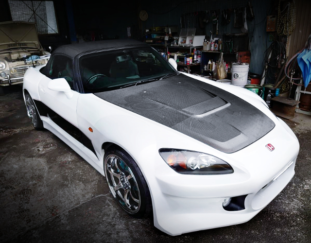 FRONT EXTERIOR OF WIDEBODY BUILT OF AP1 S2000.