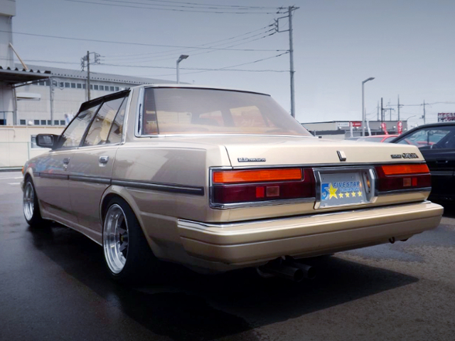 REAR EXTERIOR OF GX71 CRESTA With GOLD PAINT.