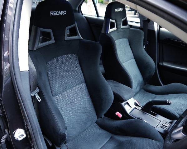 RECARO SEMI BUCKET SEATS OF EVO10 GSR.