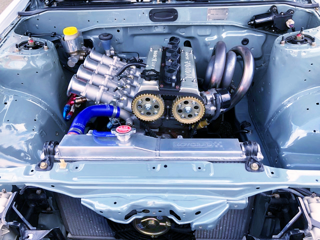 16V-4AG With INDIVIDUAL THROTTLE BODIES.