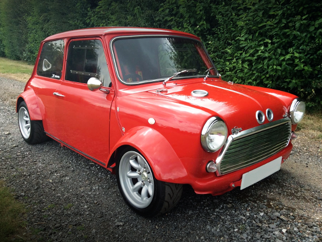 FRONT EXTERIOR OF TWIN R1 ENGINED CLASSIC MINI.