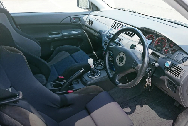 EVO7 RS INTERIOR.