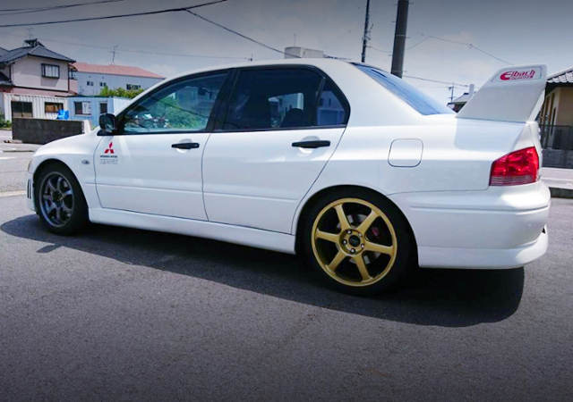 LEFT-SIDE EXTERIOR OF CT9A EVO7 RS.