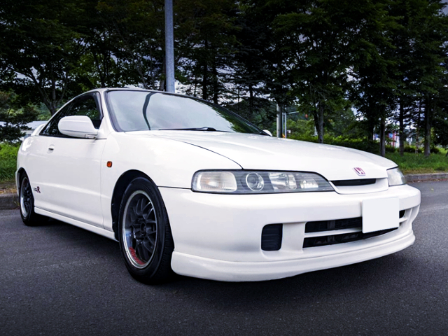 FRONT EXTERIOR OF DC2 INTEGRA TYPE-R.