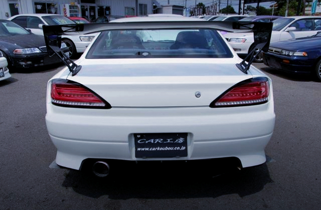 REAR TAIL LIGHT AND GT-WING OF S15 SILVIA SPEC-R With WHITE COLOR.