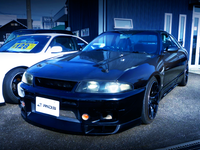 FRONT EXTERIOR OF R33 SKYLINE GTS25T TYPE-M.