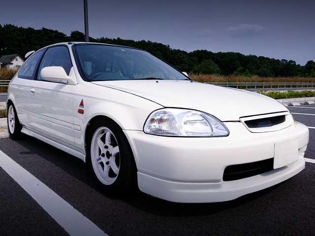 FRONT EXTERIOR OF EK3 CIVIC HATCH TO CHAMPIONSHIP WHITE.