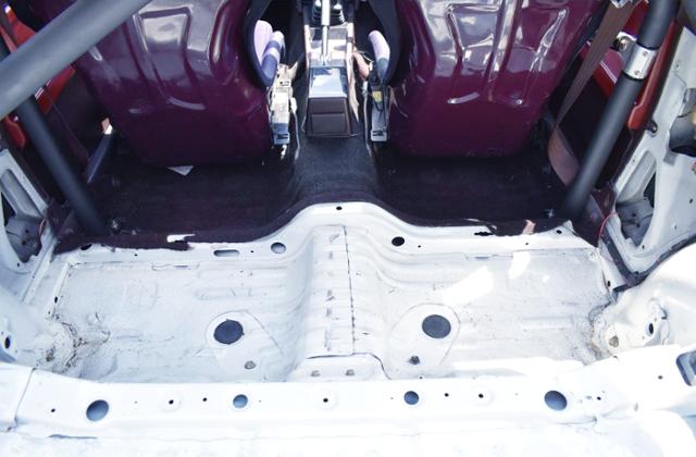 BACKSEAT DELETE OF AE86 TRUENO HATCH.