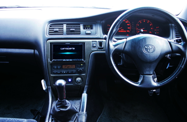 INTERIO OF DASHBOARD JZX100 CHASER TOURER-S.
