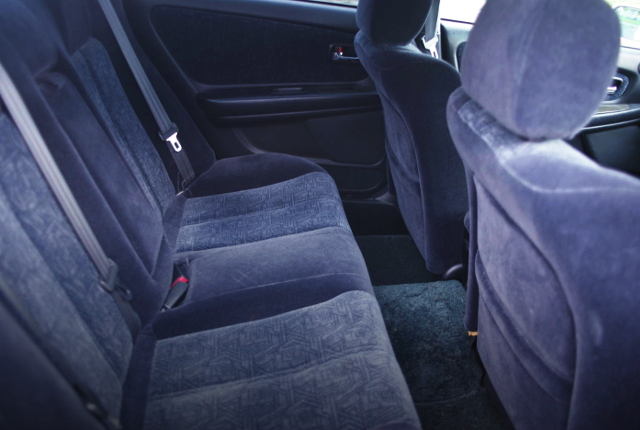 BACKSEAT OF JZX100 CHASER TOURER-S