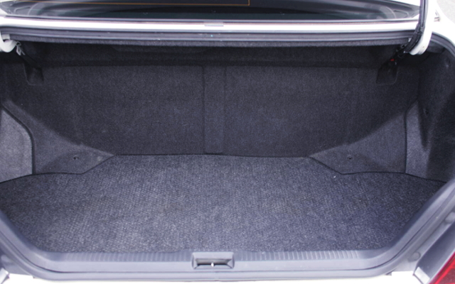 TRUNK ROOM OF JZX100 CHASER TOURER-S