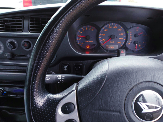 SPEED CLUSTER AND STEERING.