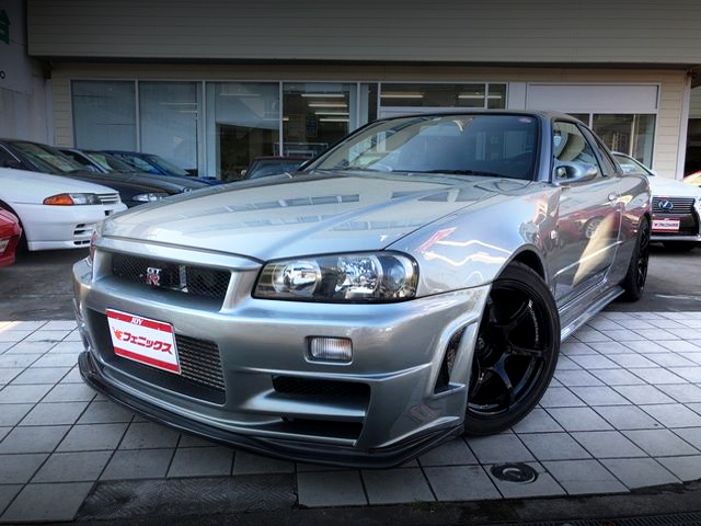 FRONT EXTERIOR OF R34 GT-R M-SPEC With NISMO Z-TUNE.