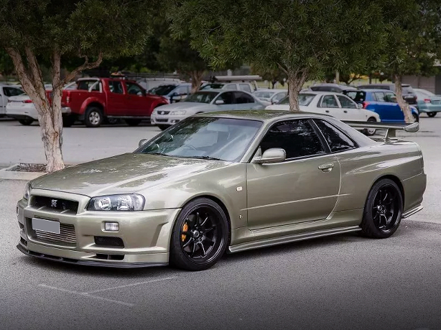 FRONT EXTERIOR OF R34 SKYLINE With Nur REPLICA.