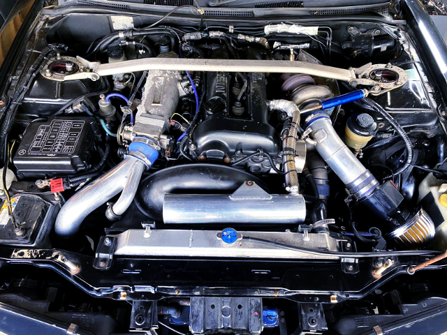BLACK HEAD S14 SR20DET TURBO ENGINE.