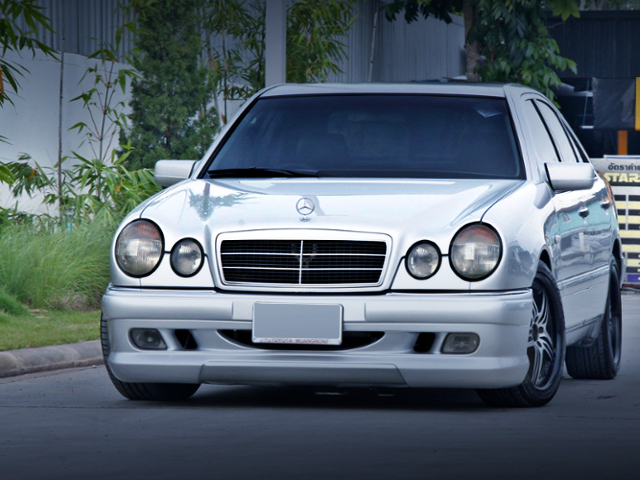 FRONT FACE OF W210 BENZ E240.