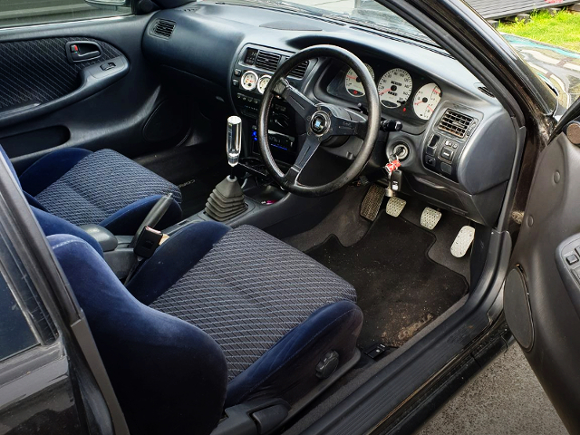 INTERIOR OF AE101 COROLLA FX GT.