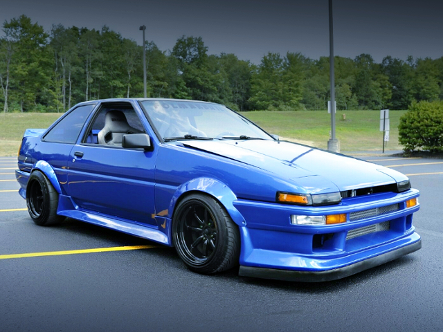 FRONT EXTERIOR OF AE86 COROLLA SR5 TO WR-BLUE.