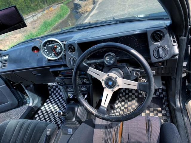 AE86 TRUENO INTERIOR.
