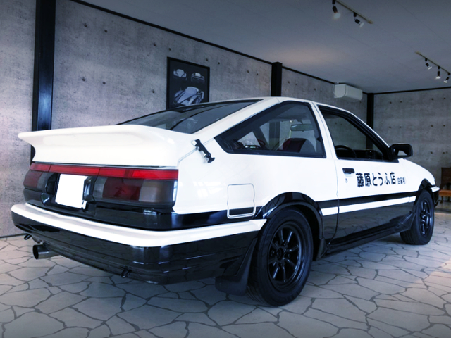 REAR EXTERIOR OF AE86 TRUENO GTV With INITIAL-D REPLICA.