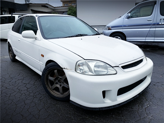 FRONT EXTERIOR OF EK9 CIVIC TYPE-R.
