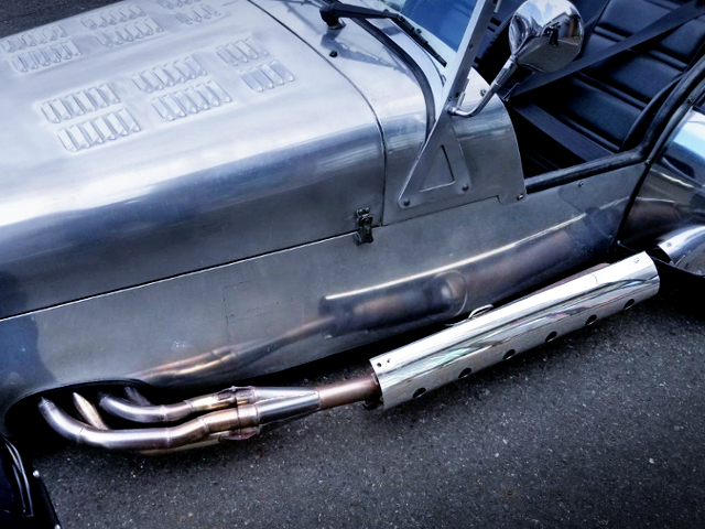 SIDE-EXIT EXHAUST.