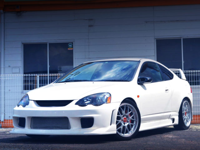 FRONT EXTERIOR OF DC5 INTEGRA TYPE-R TURBO.