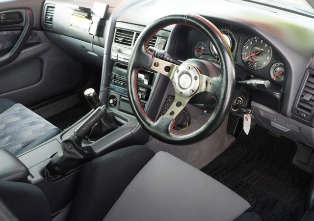 ER34 SKYLINE SEDAN DASHBOARD.