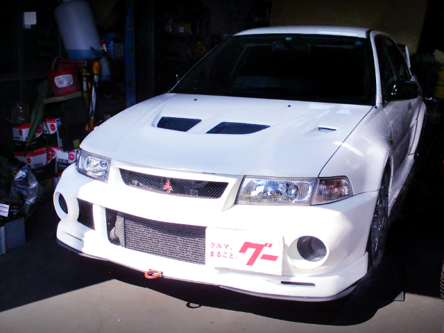 FRONT EXTERIOR OF LANCER EVOLUTION 6 RS.