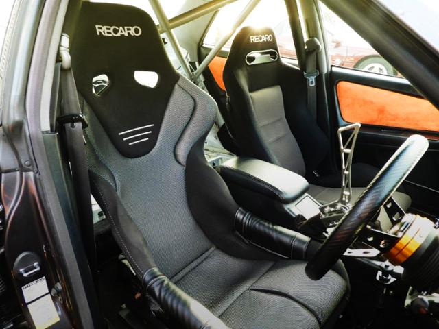 DRIVER'S RECARO FULL BUCKET SEAT.
