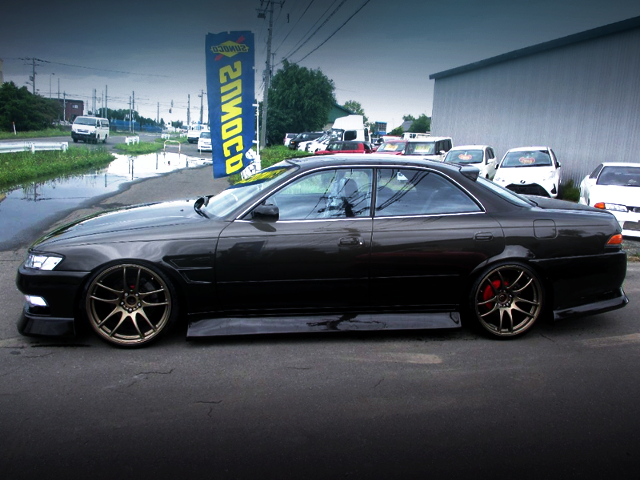 LEFT-SIDE EXTERIOR OF JZX90 MARK2 TOURER-V BLACK.